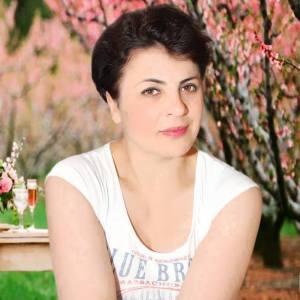 arianita Hoxja